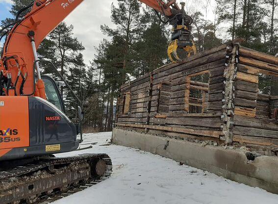 Kirkebakken: tømra tatt ned (5)