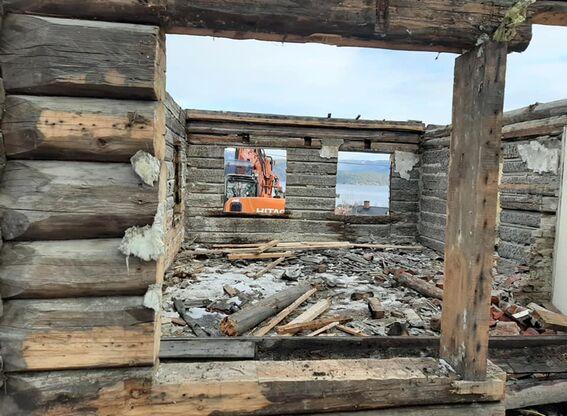 Kirkebakken: tømra tatt ned (6)