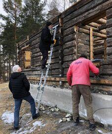 Riving av tømra på Kjerkebakken