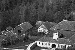 Driftsbygningene på Ulefos Hovedgaard
