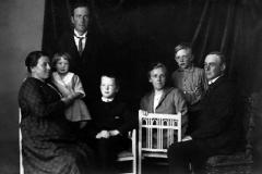 Familiene Enerhaugen og Holstad