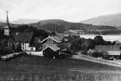 Helgas hus og Holla kirke