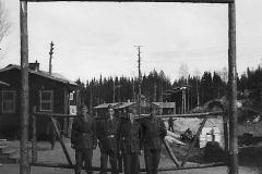 Hollatroppen i leiren ved Elvsäter i Sverige 1945