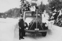 Traaens tømmerbil med fullt lass