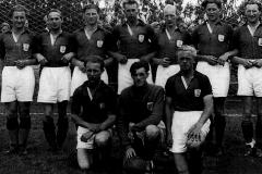 USFs fotballag ved åpningen av Sandvoll i Bø i 1948.