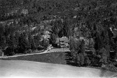 Valebø, Bergtun